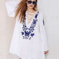 Vestidos Feminine New Summer Sexy Clothing Women Fashion White Flare Sleeve Embroidery Lace Up Cute Loose Shift Mini Dress
