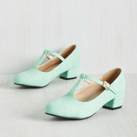 On the Edge of Your Sweet Heel in Mint