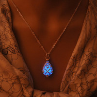 Glow In The Dark Locket Silver Hollow Glowing Stone Pendant Luminous Statement Chocker Pendants Necklace For Women SM6