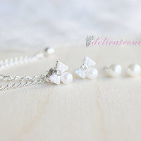 Bow and Pearl Set Chain Cartilage Earring / Cartilage Piercing
