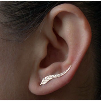 Jewelry Exquisite 18K Gold Plated Leaf Earrings Modern Beautiful Feather Stud Earrings for Women