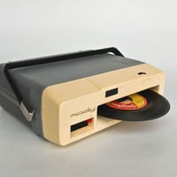 Vintage Record Player / Lesa Mody / Battery Operated Portable Vinyl Player / 60s Italy / Working Condition