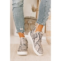 Cue The Casual Snake Print Sneakers (White)