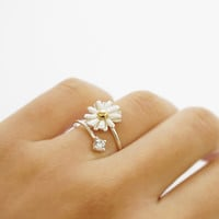 Silver white daisy flower ring,adjustable ring,knuckle ring,sterling silver ring,stack ring,jewelry,simple ring,holiday gift,flower,SGR81
