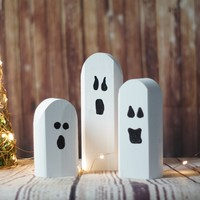 Reclaimed Wood Ghosts - Rustic Halloween Decor