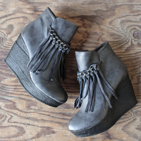 sbicca vintage collection zepp wedge fringe ankle bootie - grey
