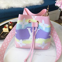 Louis Vuitton LV gradient printed ladies bucket bag diagonal bag