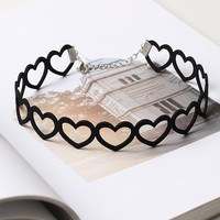 Black Faux Suede Leather Heart Choker Necklace Hollow Cut Out Love Collar Wrap Harajuku Retro Goth Boho Punk Lolita Kawaii Cosplay Baroque