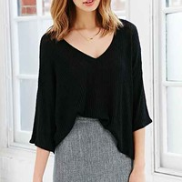 Silence + Noise Easy V-Neck Cropped Top-