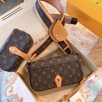New LV Fashion casual shoulder bag  Two sizes
