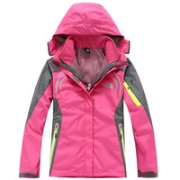 The North Face Outdoor Travel Removable Fleece Waterproof Jackets Women 's Two - piece