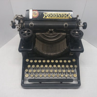 1916-1920 WOODSTOCK Typewriter in fantastic cosmetic and working condition - Rare Model, Low Serial Number - BRAND NEW ribbon included!