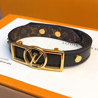 LV Louis Vuitton Hot Sale Fashion Couple Alphabet Gold Buckle Leather Bracelet