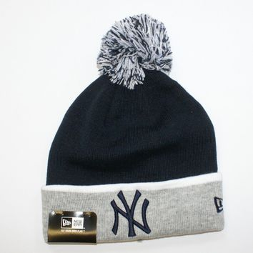 New Era MLB Bobble New York Yankees NY Sideline Sport Knit Beanie Fitted Hat