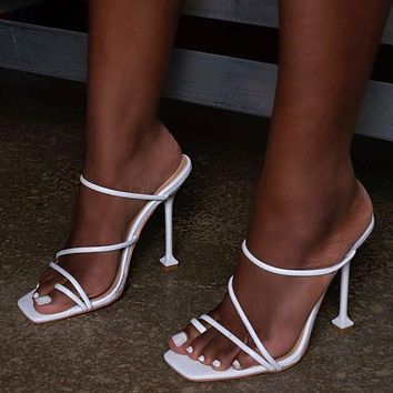 Spring 2020 fashion women's shoes three line fine heels high heels Circle foot finger slippers white