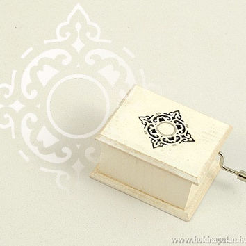 Vintage style wedding engagement gift ornament wooden music box musical box white Pachelbel Canon