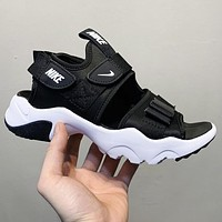 Nike Canyon Sandal thick ‮ magic bottom ‬ buckle sandals hiking shoes Black (White Soles)