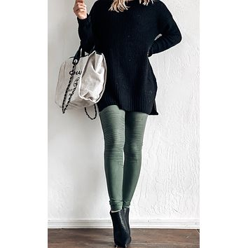 DISCOVERY MOTO LEGGING IN OLIVE