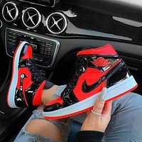 Nike Air Jordan 1 mid aj1 Mid top black and red basketball shoes
