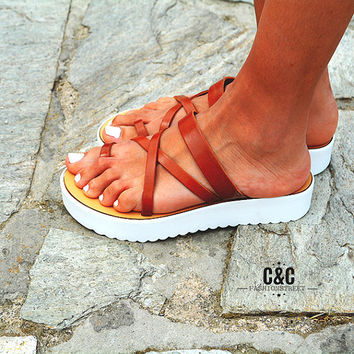Leather women brown Sandal shoes Traveller , toe-wrapper sandal, leather shoes