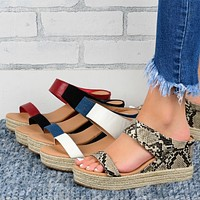 Fashion plus size straw sandals women's hot style wedge casual style sandals hollow platform slippers
