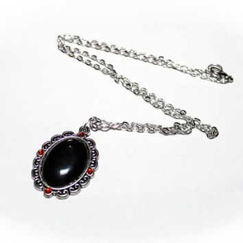 Vampire Necklace black heart with red rhinestones