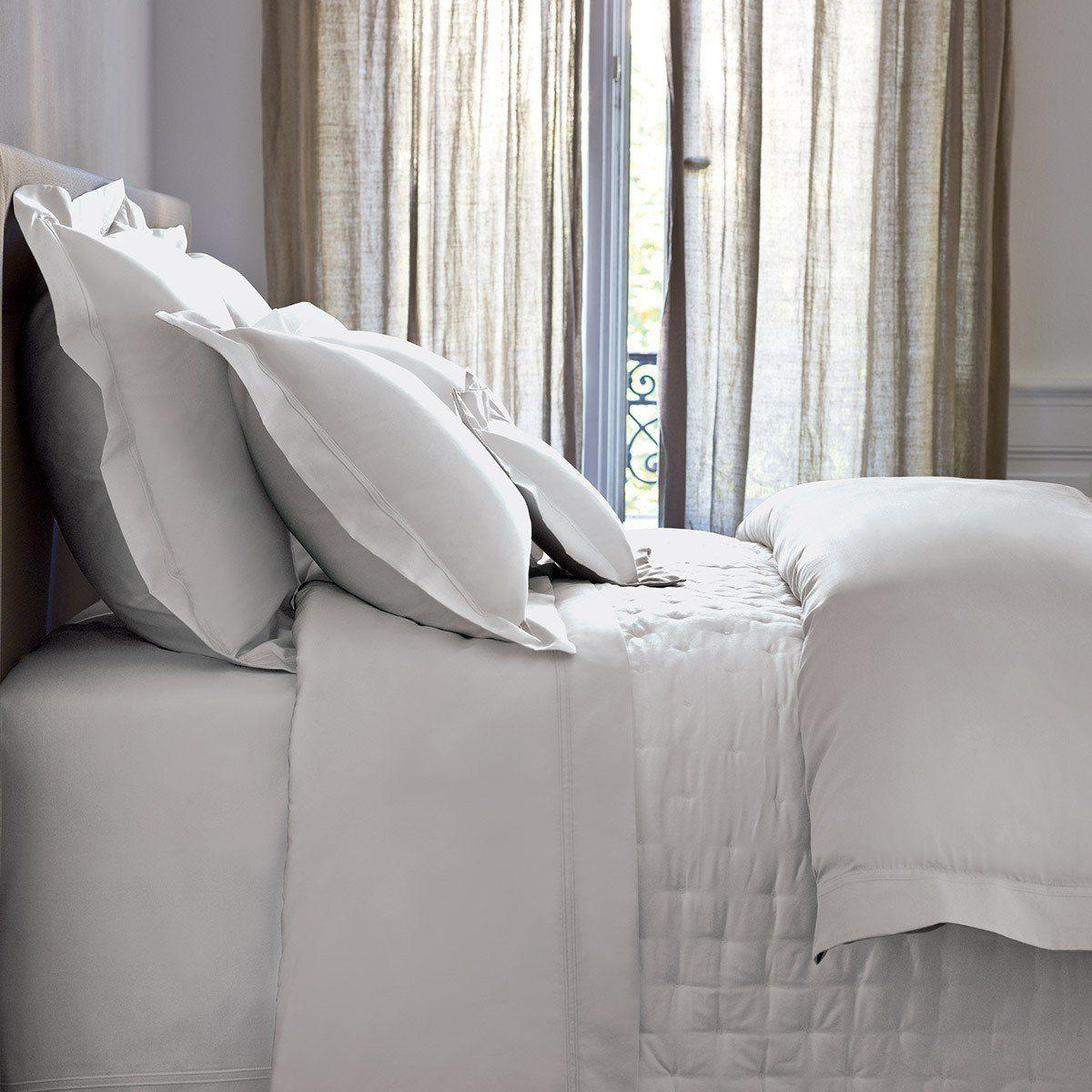 Image of Triomphe Silver Bedding by Yves Delorme