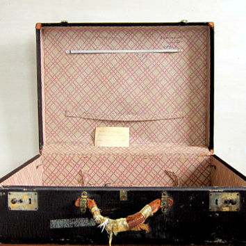 20% OFF STOREWIDE Vintage 1960s distressed hardshell suitcase. Large leather suitcase