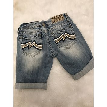 *LAST ONE* SZ 26 MISS ME JD1039M2 ROLLED BERMUDA SHORT