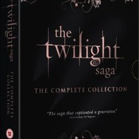 The Twilight Saga: The Complete Collection [DVD]: Amazon.co.uk: Kristen Stewart, Robert Pattinson, Taylor Lautner, Peter Facinelli, Michael Sheen, Ashley Greene, Nikki Reed, Elizabeth Reaser, Catherine Hardwicke, David Slade, Chris Weitz, Bill Condon: Film