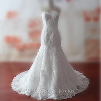 Custom Made Wedding Dresses Sweetheart Sequined Wedding Gowns Lace Bridal Gowns Lace-up Chapel Train Bridal Dress