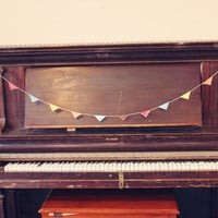 Recycled garland-colored | Fresh Words Market