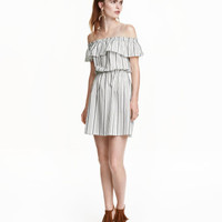 H&M Off-the-shoulder Dress $29.99