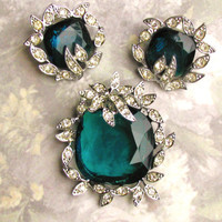 Vintage Sarah Coventry Jewelry Set Green Colored Stone & Rhinestone Brooch and Earrings Set Circa 1960s Wedding Bouquet Brooch!