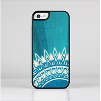 The Blue Spiked Orb Pattern V3 Skin-Sert Case for the Apple iPhone 5c
