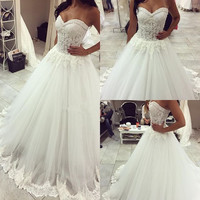 Luxurious Ball Gown Long wedding Dress 2017 New Vestido De Novia Sweetheart Neck Sleeves Sheer Tulle Appliques Bridal Gowns