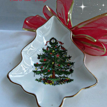 White Ceramic Christmas Tree Dish Entertaining Candy Nuts Soaps