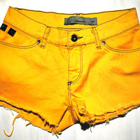 Yellow Orange Fall Destroyed Indie Shorts XS
