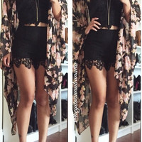 Embroidery Lace Shorts - Black