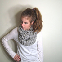 Infinity Loop Scarf Knit Gray - Sotterley Cowl