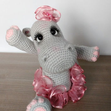Crochet Hippo Trio Amigurumi Free Patterns - DIY Magazine | 354x354