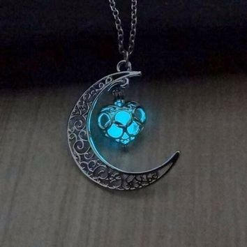 Glowing Heart of the Crescent Moon Pendant Necklace