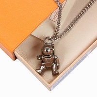 KUYOU LV ASTRONAUT necklaces are adorned with ASTRONAUT puppets and ZPS
