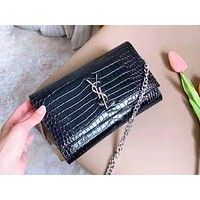 YSL selling a casual lady crocodile shoulder bag in fashionable solid color shopping bag