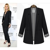 ZLYC Tailored Blazer with Contrast Geometric Print Sleeve Lining for Women