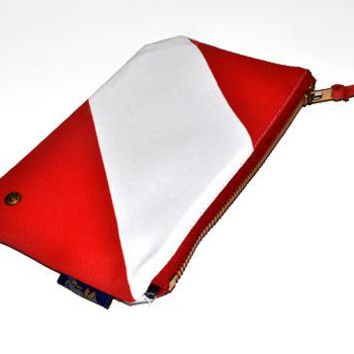 Quincy Clutch (Red/White)
