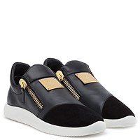 Giuseppe Zanotti Gz Runner Black Suede And Calf Low-top Sneaker