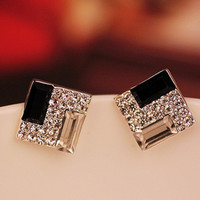 Trendy Fashion Luxurious Elegant Black White Sparkling Bling Rhinestone Square Stud Earrings for Women Ear Jewelry