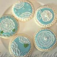 Flower and lace cookies