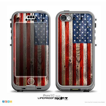 The Wooden Grungy American Flag Skin for the iPhone 5c nüüd LifeProof Case